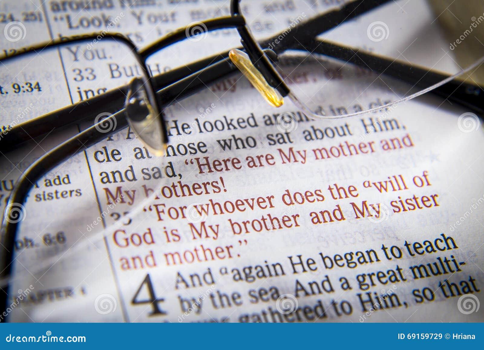 Texte Et Verres De Bible Image Stock Image Du Chrétien