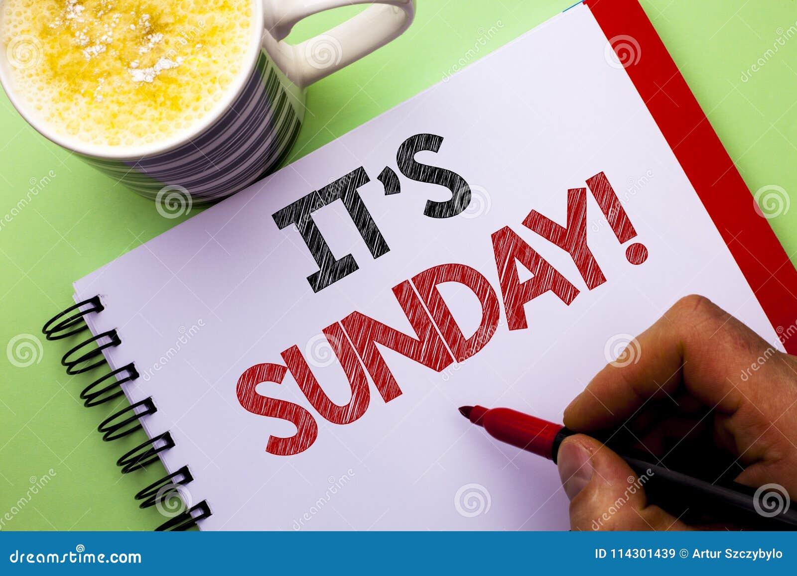 Texto da escrita da palavra sua chamada de domingo O conceito do negócio para Relax aprecia o relaxamento livre do dia de resto d