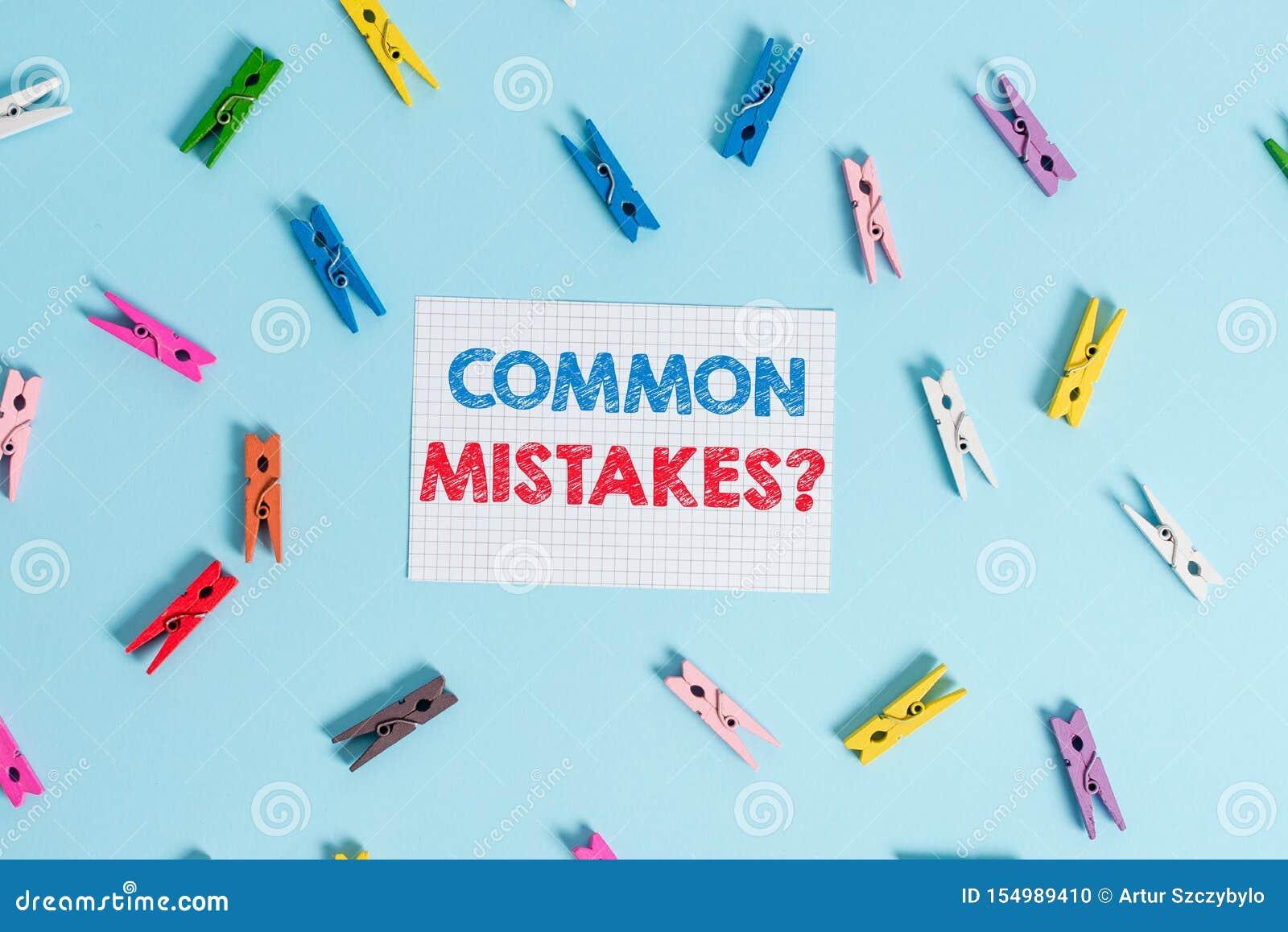 Texto da escrita que escreve a pergunta dos erros comuns Conceito que significam o ato da repetição ou julgamento errado ou color