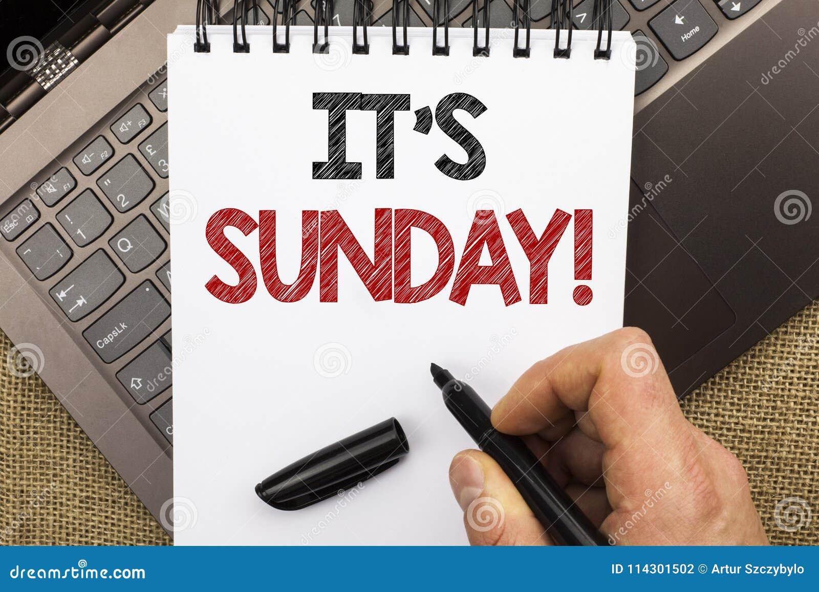 Texto de la escritura de la palabra su llamada de domingo El concepto del negocio para Relax disfruta de relajación libre del día