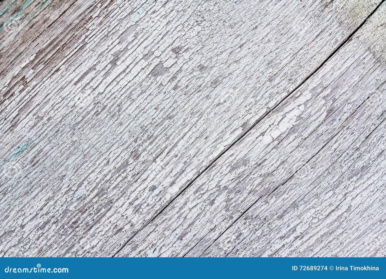 vit målarfärg till trä