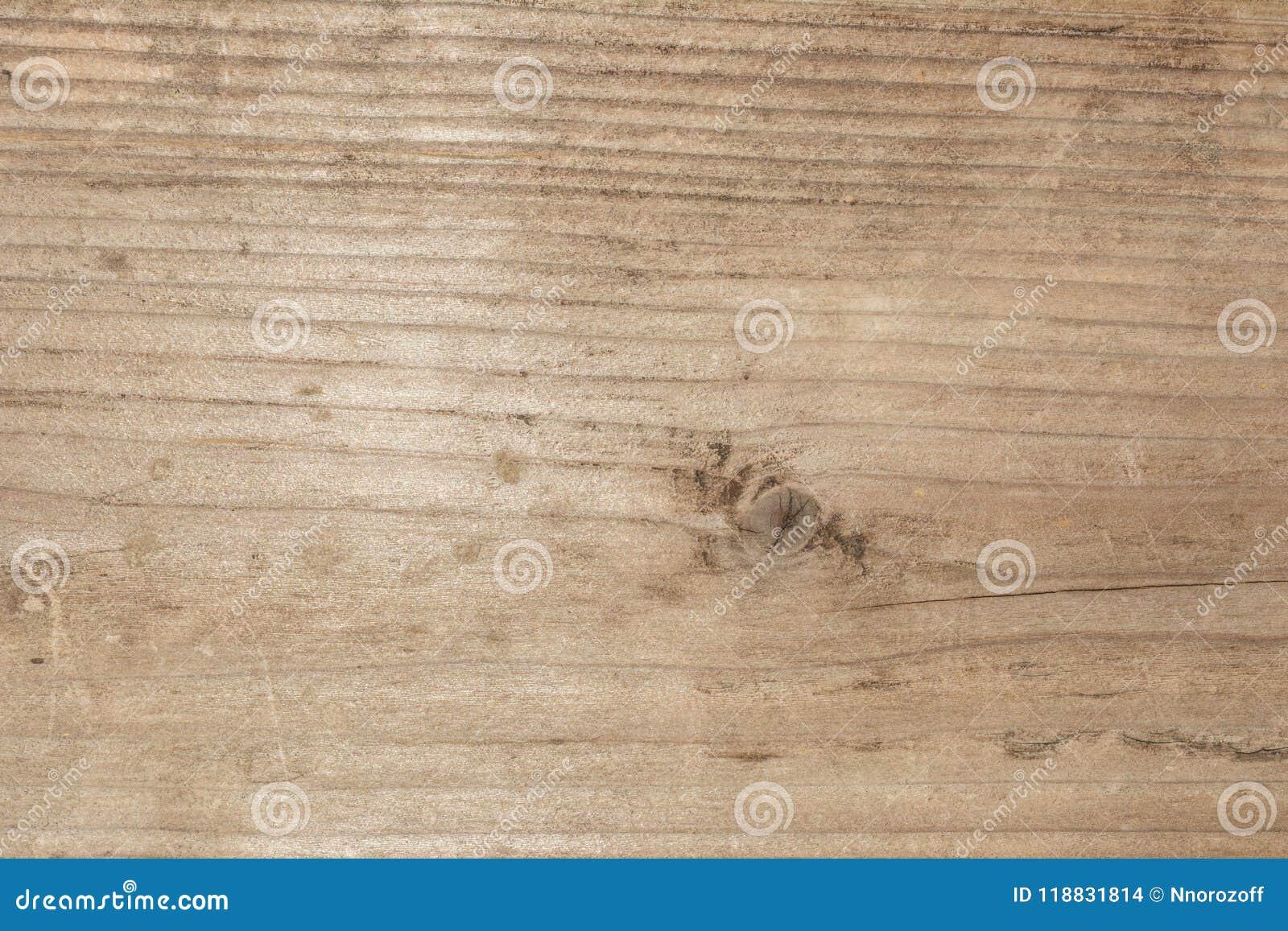 Textura da árvore velha com quebras longitudinais, superfície da madeira resistida antiga, fundo abstrato