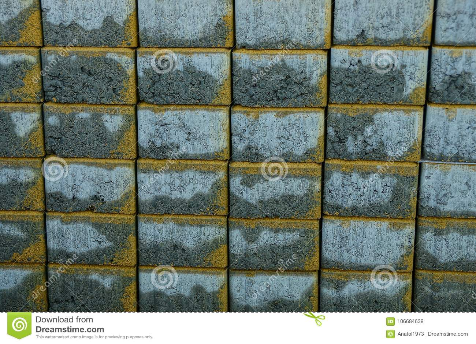 Textura de pedra cinzenta de tijolos de pavimentação molhados