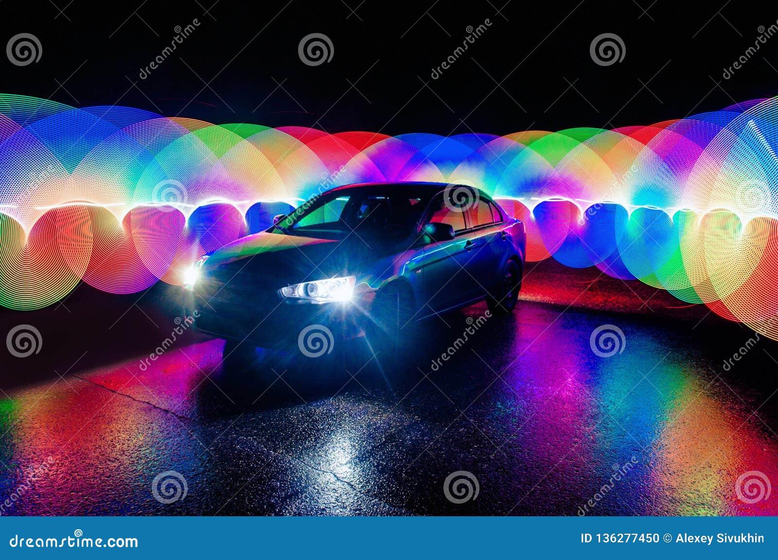 Textura de pintura futurista del color del extracto hermoso con efecto luminoso sobre el coche