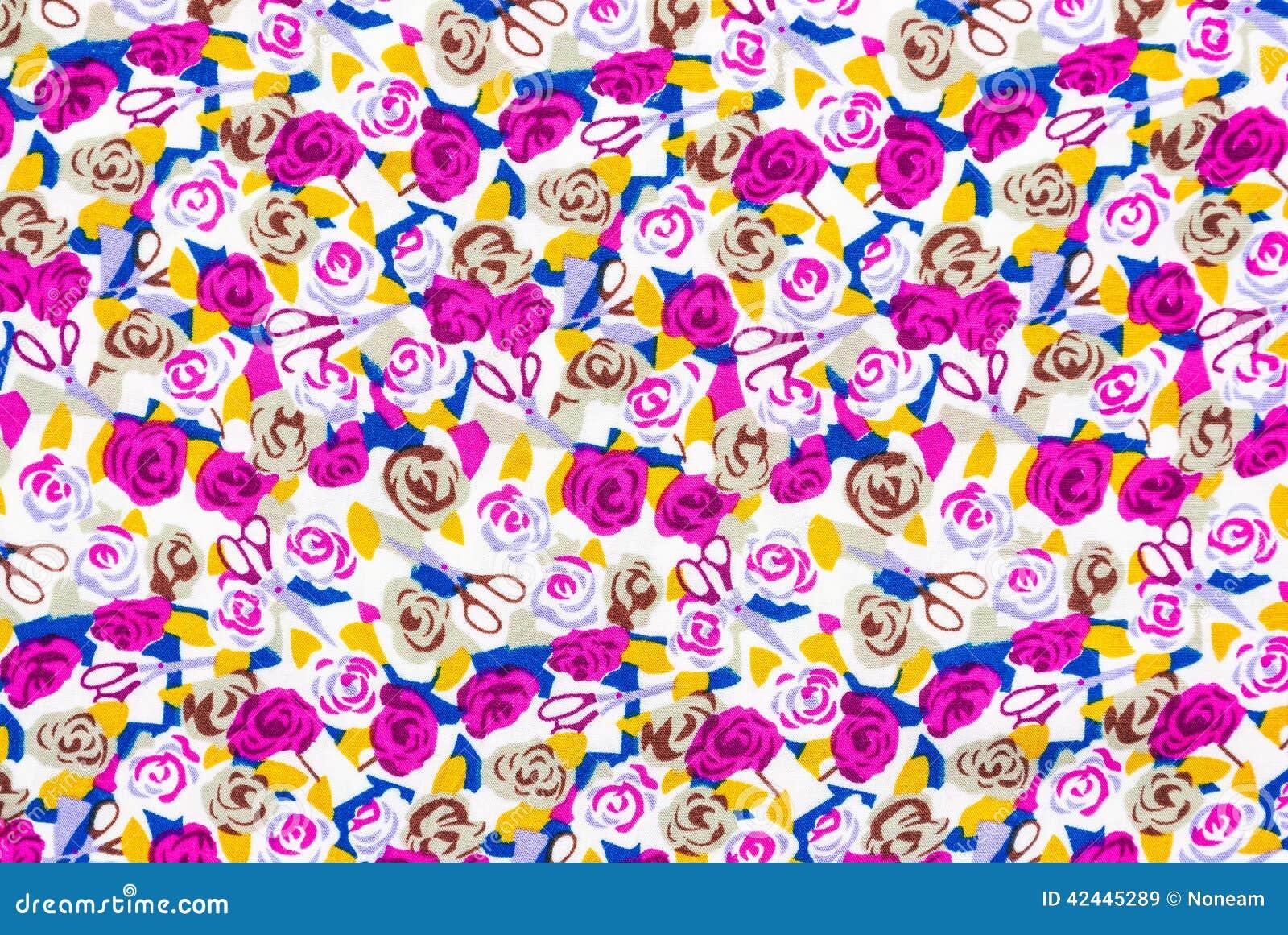 Textura púrpura del fondo de las rosas y de las tijeras