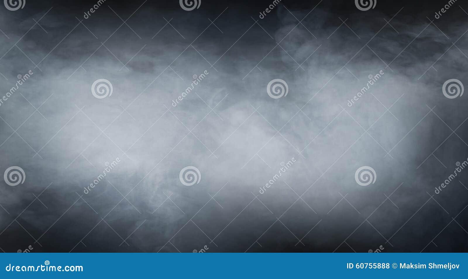 Texture de fumée au-dessus de fond noir vide