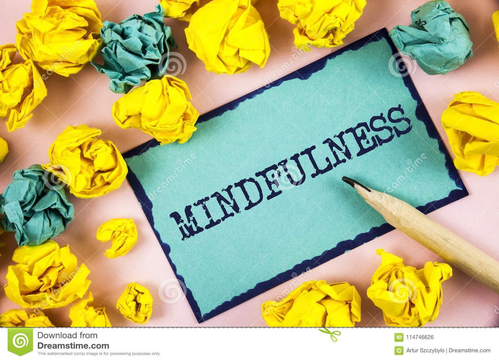 Textzeichen, das Mindfulness zeigt Das Begriffsfoto, das bewusste Bewusstseins-Ruhe ist, nehmen die Gedanken und Gefühle an, die