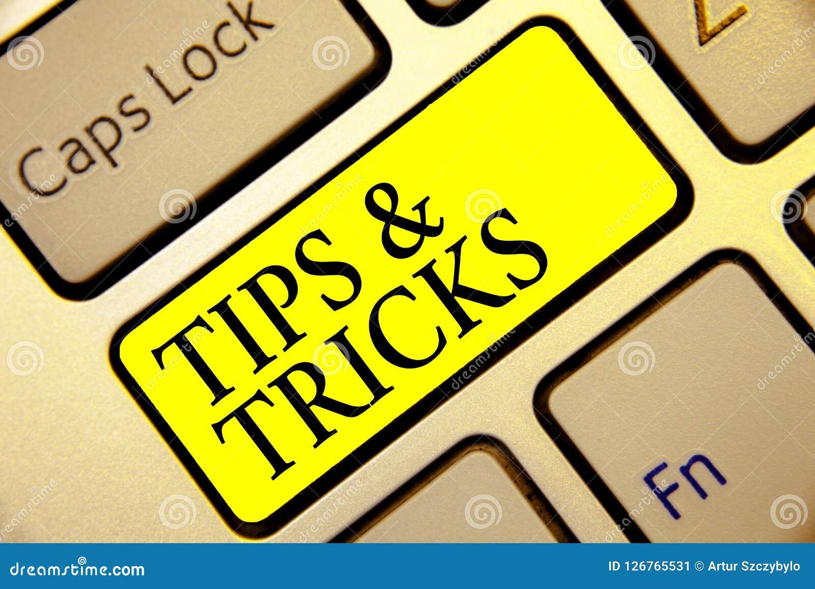 Textzeichen, das Tipps und Tricks zeigt Begriffsfoto tritt Ratlifehacks handliche empfehlungs-Fähigkeits-Tastaturgelb-Schlüssel A