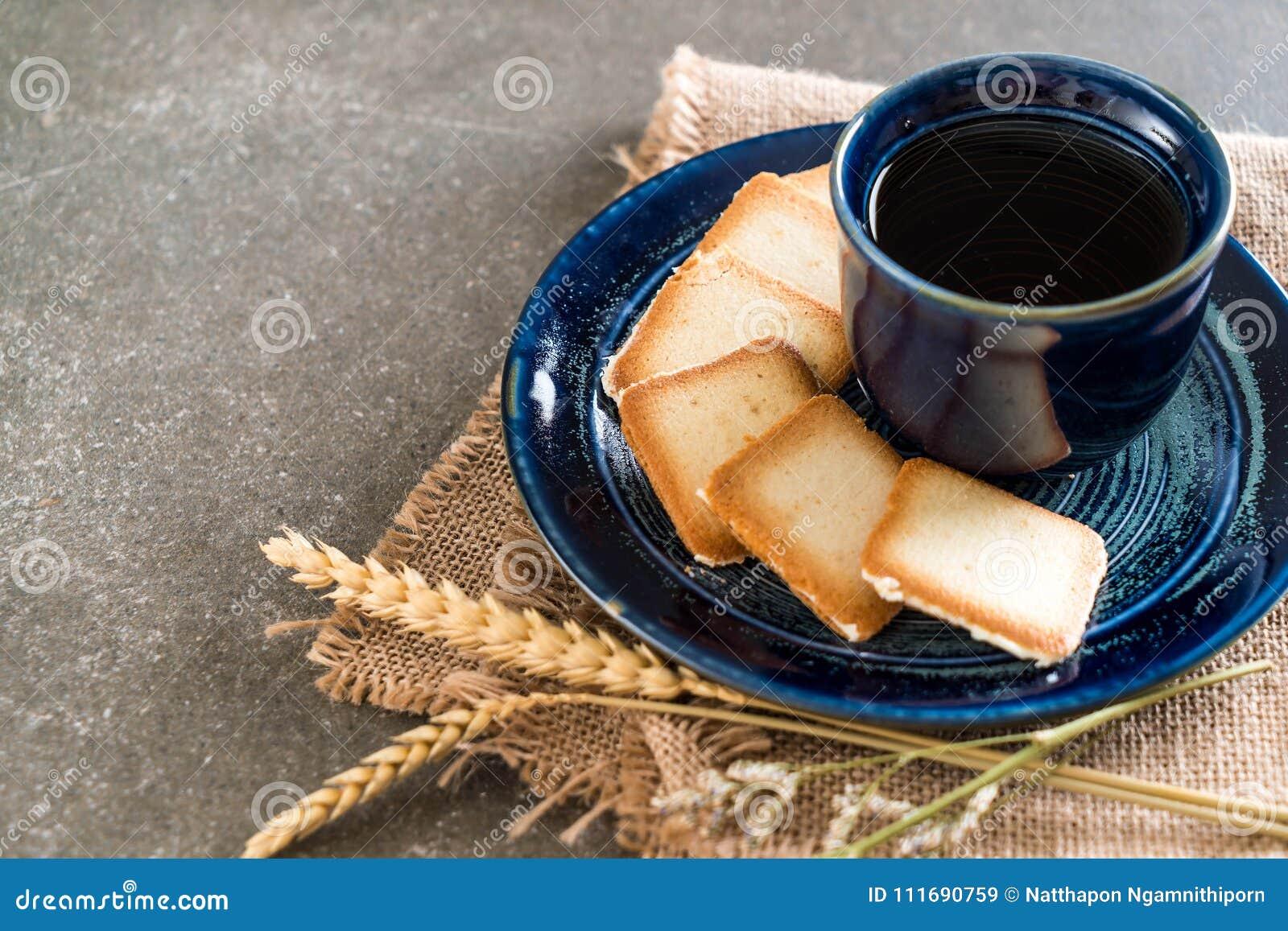 Thé avec le biscuit