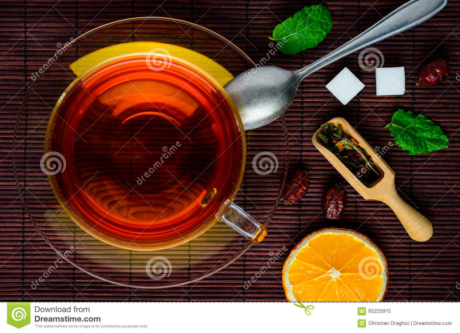 Thé noir et fruits secs