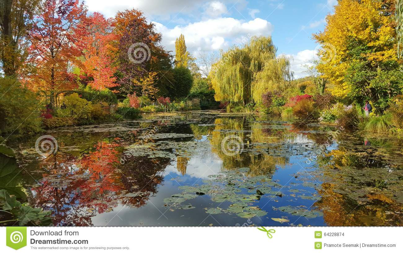 The Garden Of Monet In Autumn, Giverny, France Stock Photo 64228874 ...