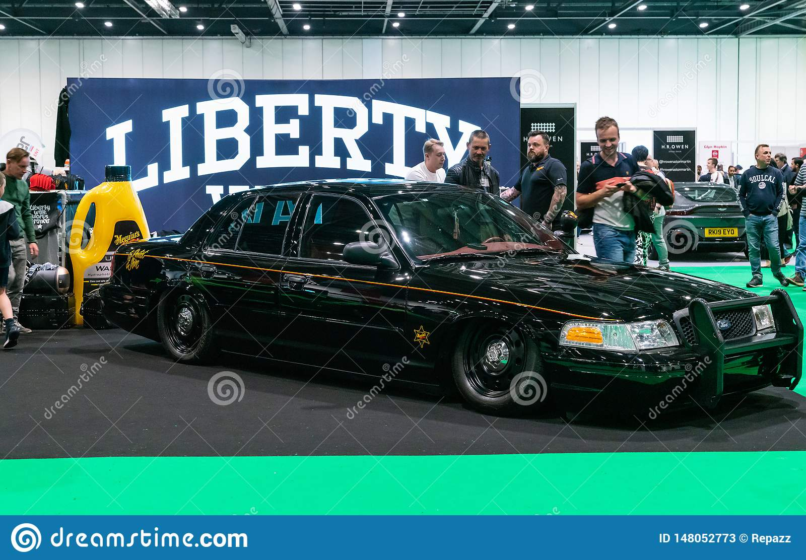 ford crown victoria model at london motor show 2019 editorial stock photo image of interceptor suspension 148052773 https www dreamstime com th may london uk black lowered iconic american police interceptor car ford crown victoria motor show model image148052773