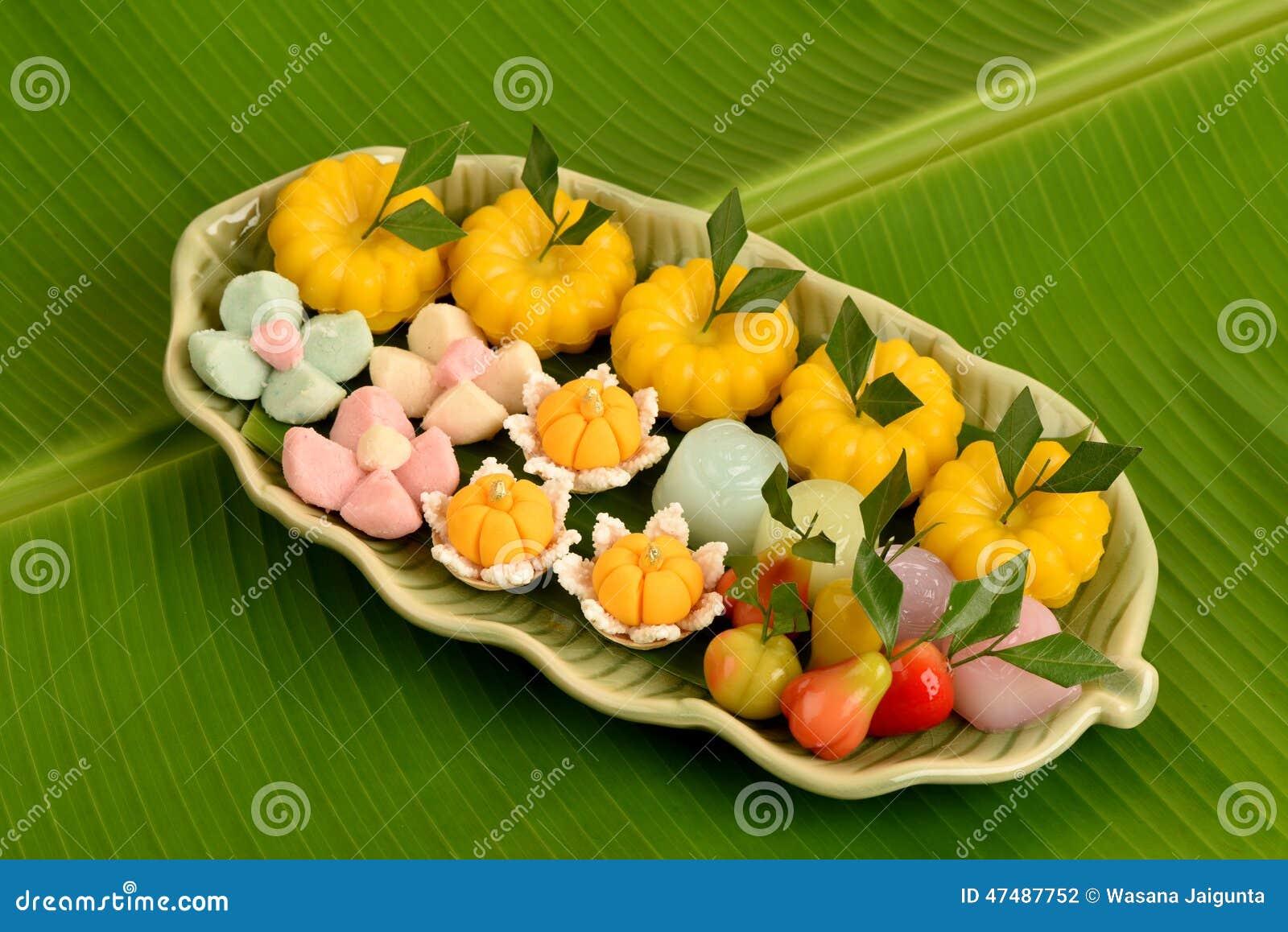 thai dessert on banana leaf green background stock photo. Black Bedroom Furniture Sets. Home Design Ideas