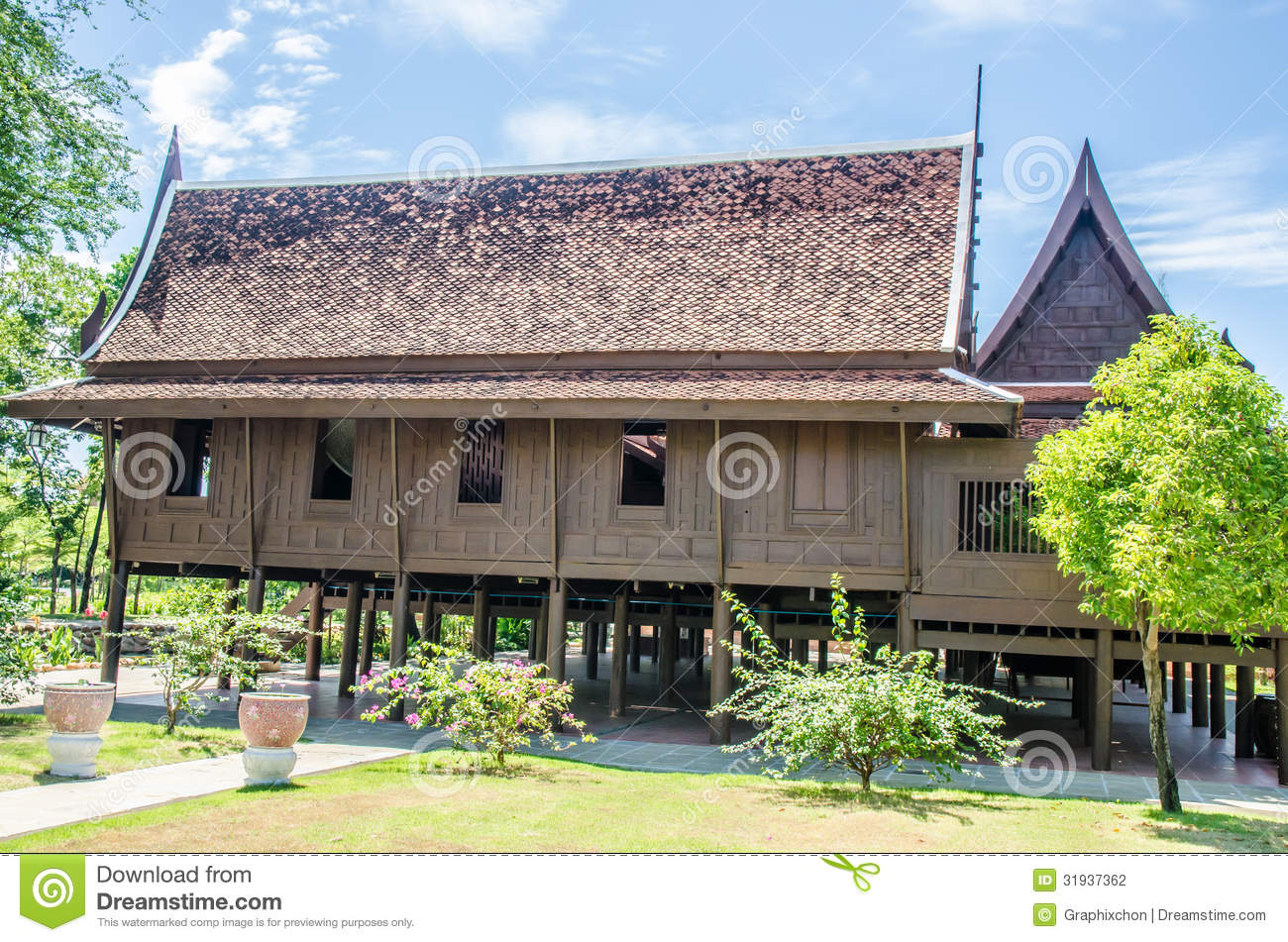 Thai house stock photography image 31937362 for Thai classic house