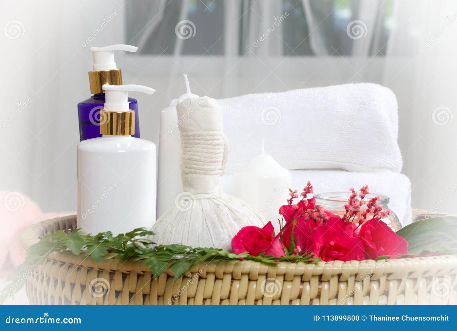 Thai massage wedding