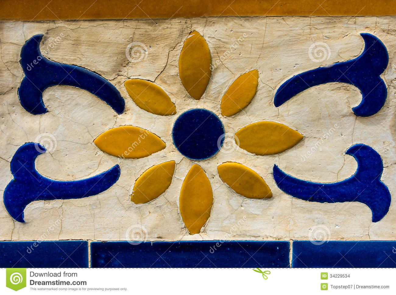 Thai Mosaic And Ceramic Wall Decoration In Thai Temple Stock Photo ...