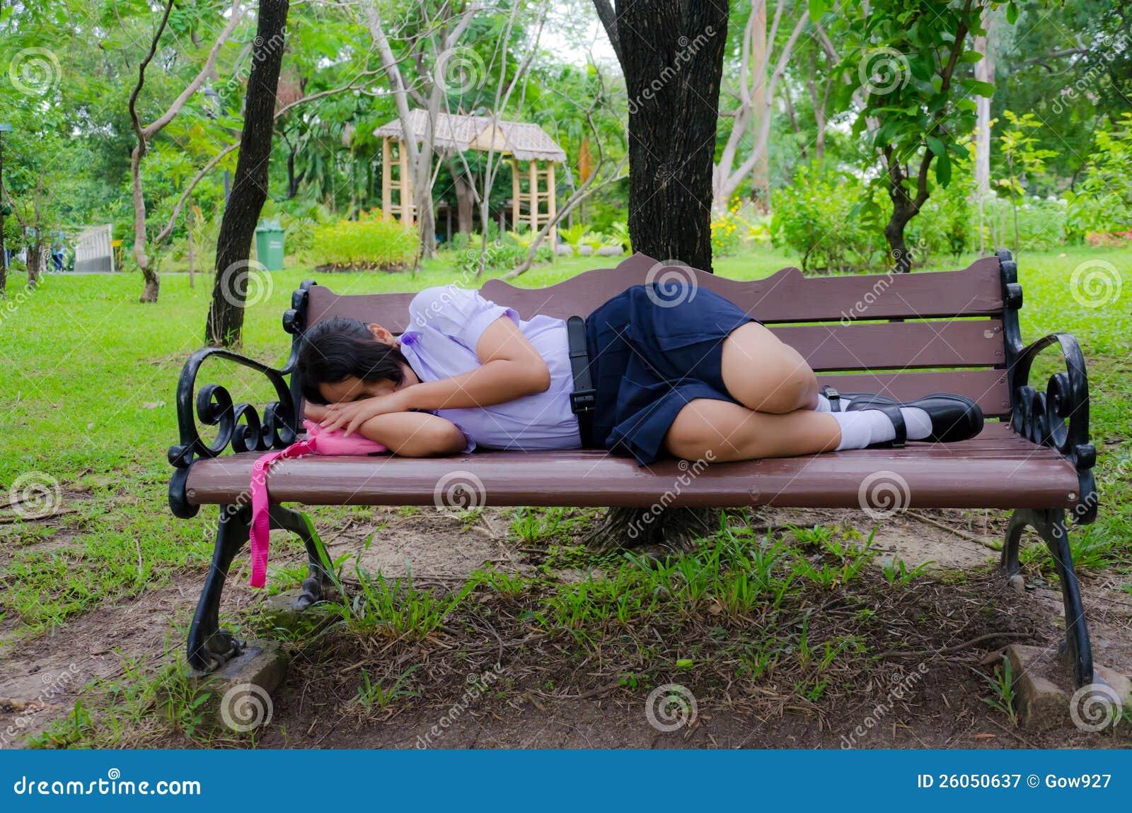 Смотреть секс на скамейке 239