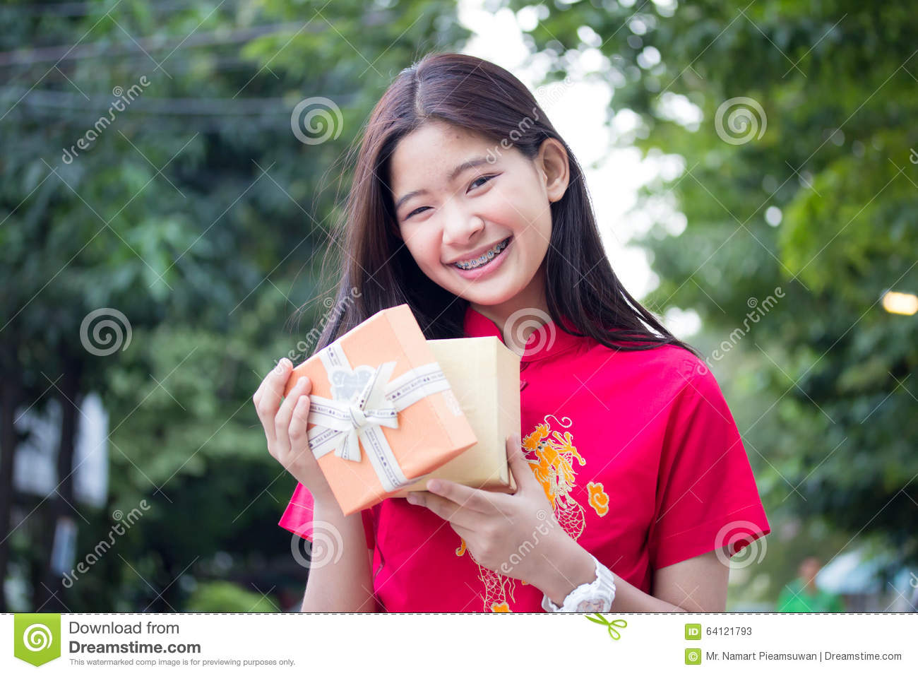 gift for thai girl