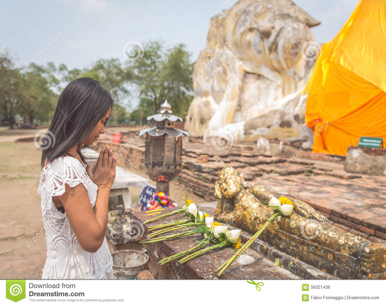 temple buddhist single women Indian women kamasutra travel  in nature because they tried to build temples out of a single piece of  first buddhist temple in india was built in the.