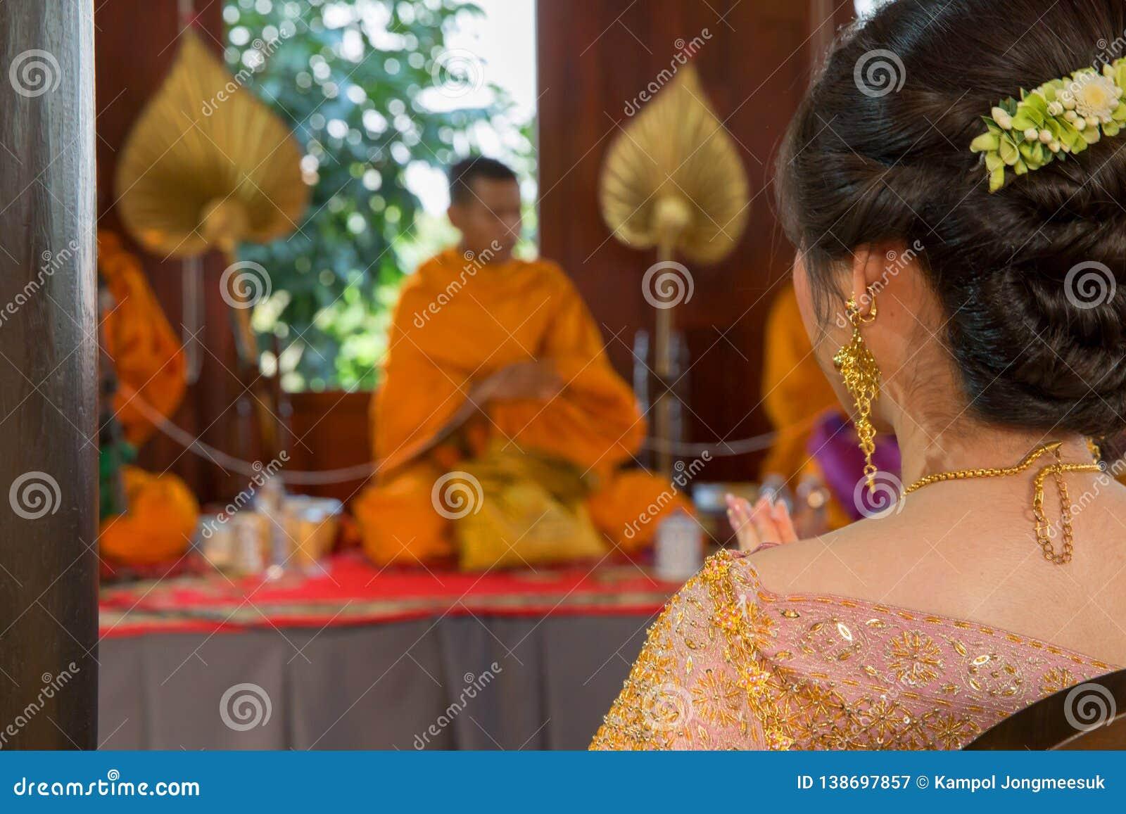 Thailändische Heiratsmönchzeremonie, Weichzeichnung