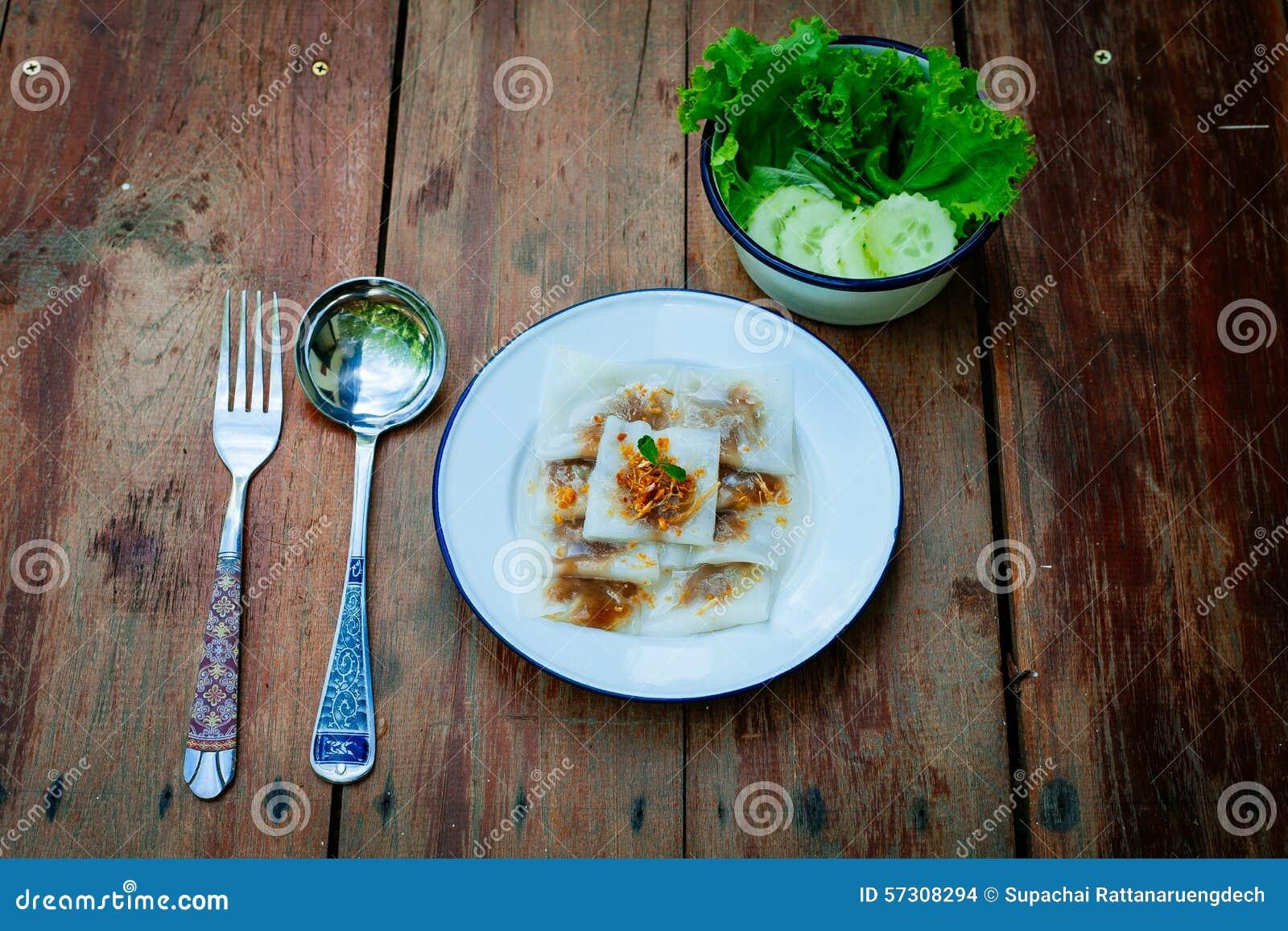 Thailändsk efterrätt: Ångat Ris-hud klimp- och tapiokagriskött