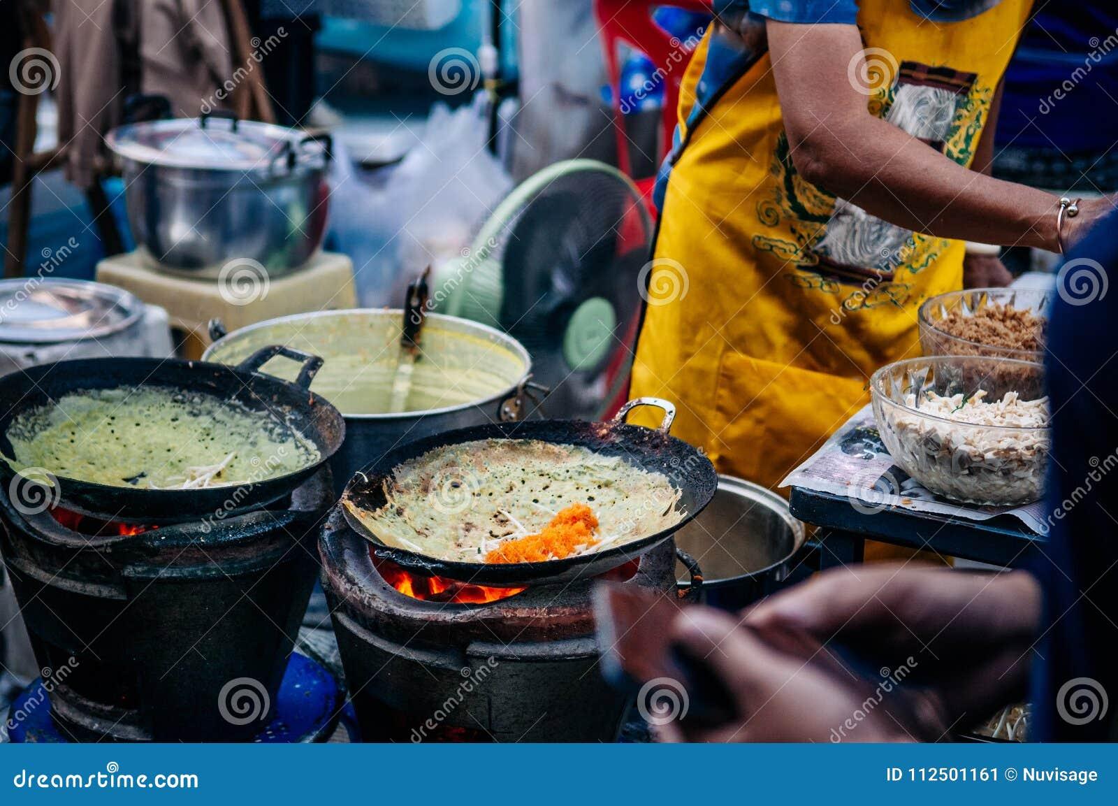 Thailändskt - hemlagad välfylld frasig äggkräpp för vietnamesisk stil med
