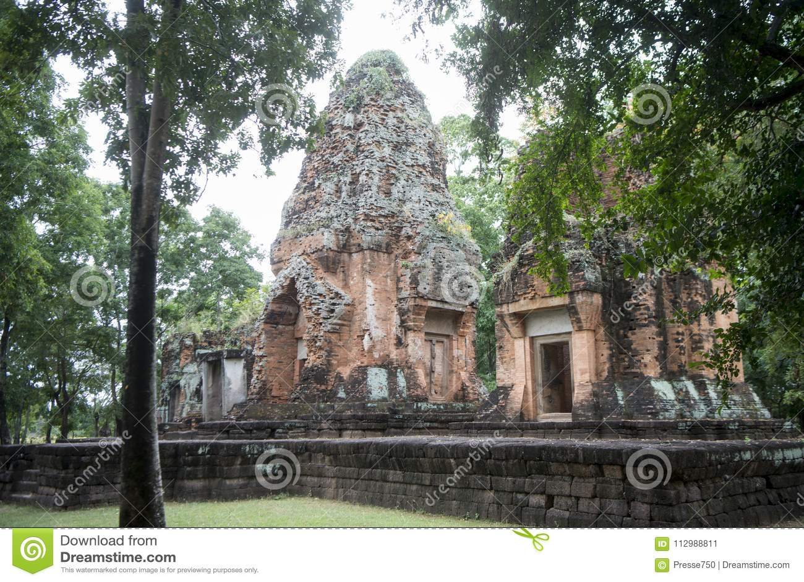 THAILAND BURIRAM KHMER RUINS PRANG KU SUAN TAENG