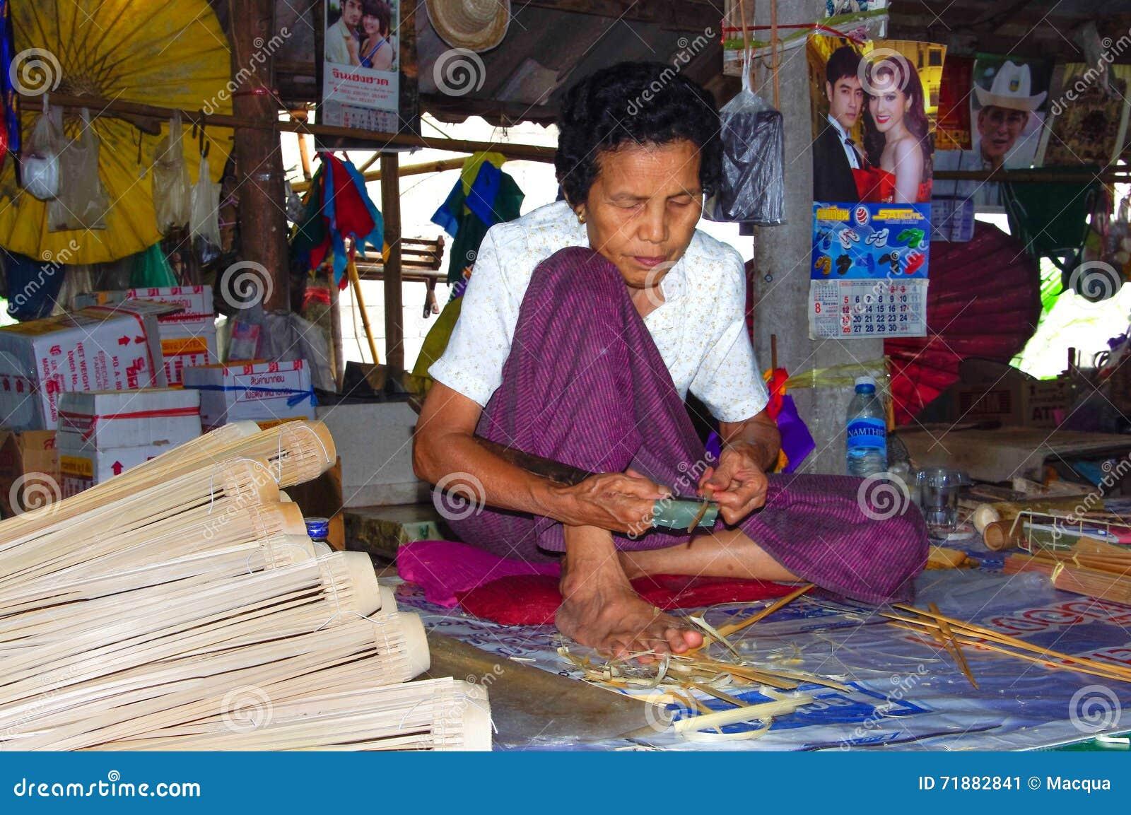 Thailand - Chiang Mai - Bamboo - Umbrella woman - handmade