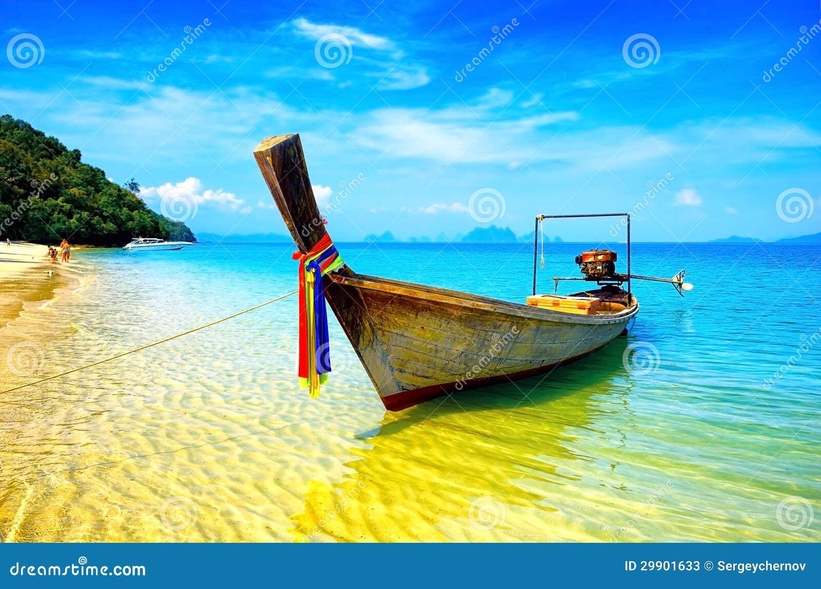Thailand strand och fartyg