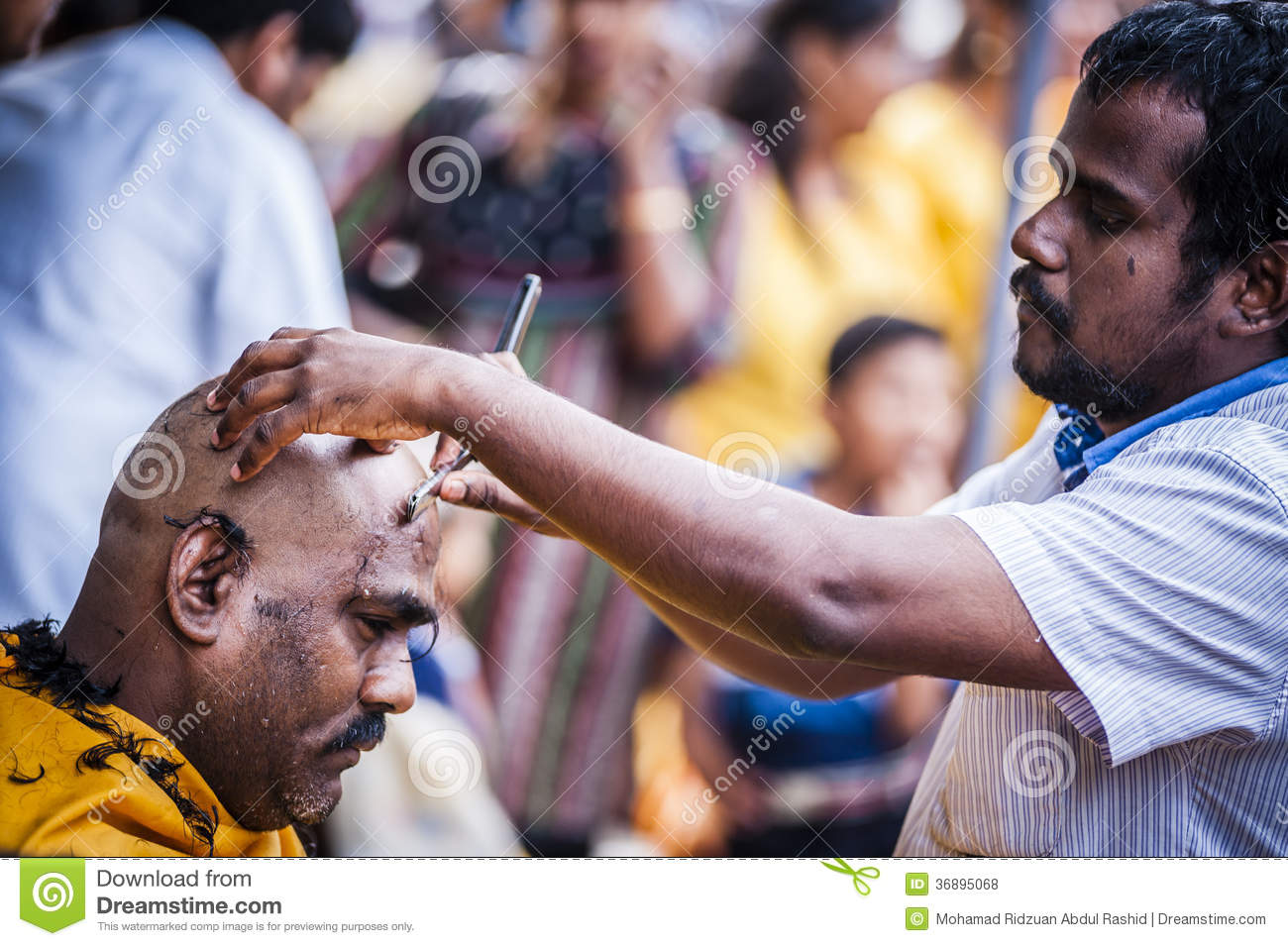 Download Thaipusam fotografia stock editoriale. Immagine di caverne - 36895068
