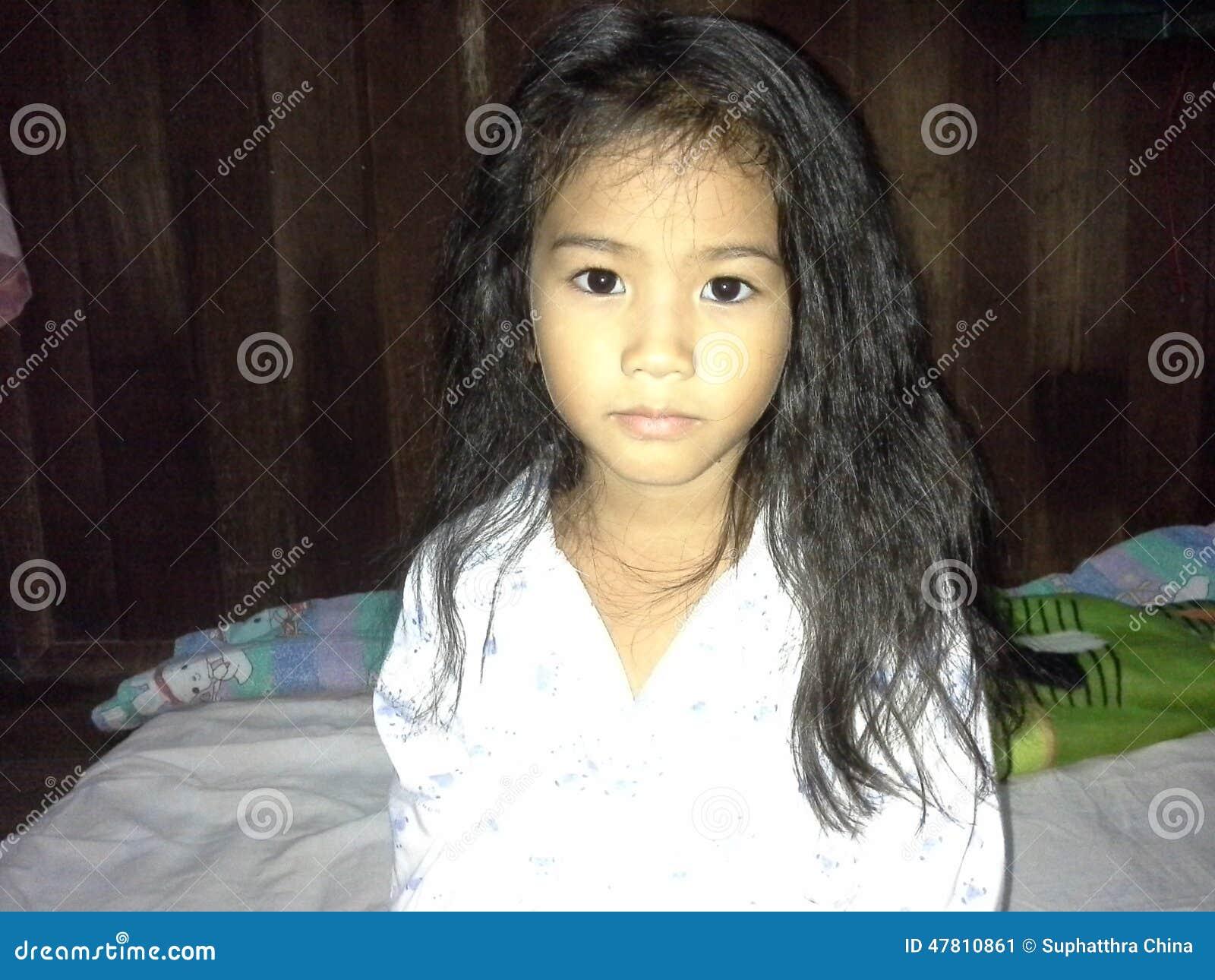 Thais meisje stock afbeelding afbeelding bestaande uit slaapkamer