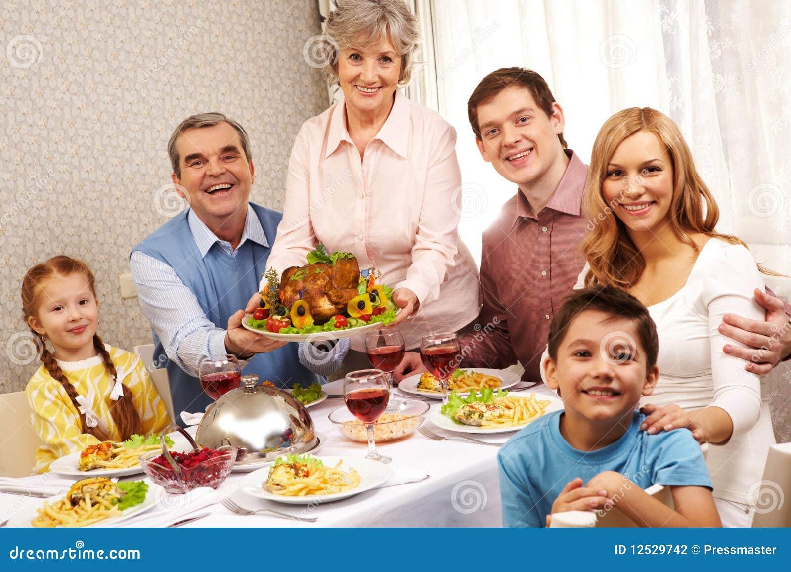 Семья пригласит парня в гости 6 фотография