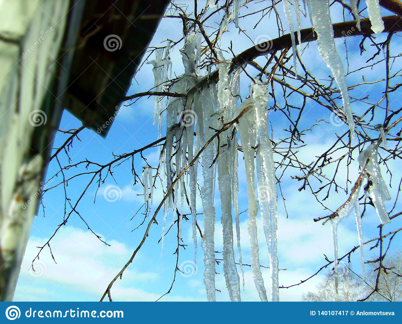 Thaw big icicles
