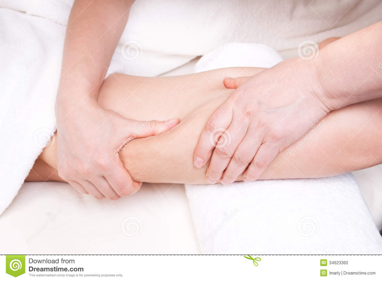 Therapist Doing Anti Cellulite Massage Stock Photo - Image: 34623360