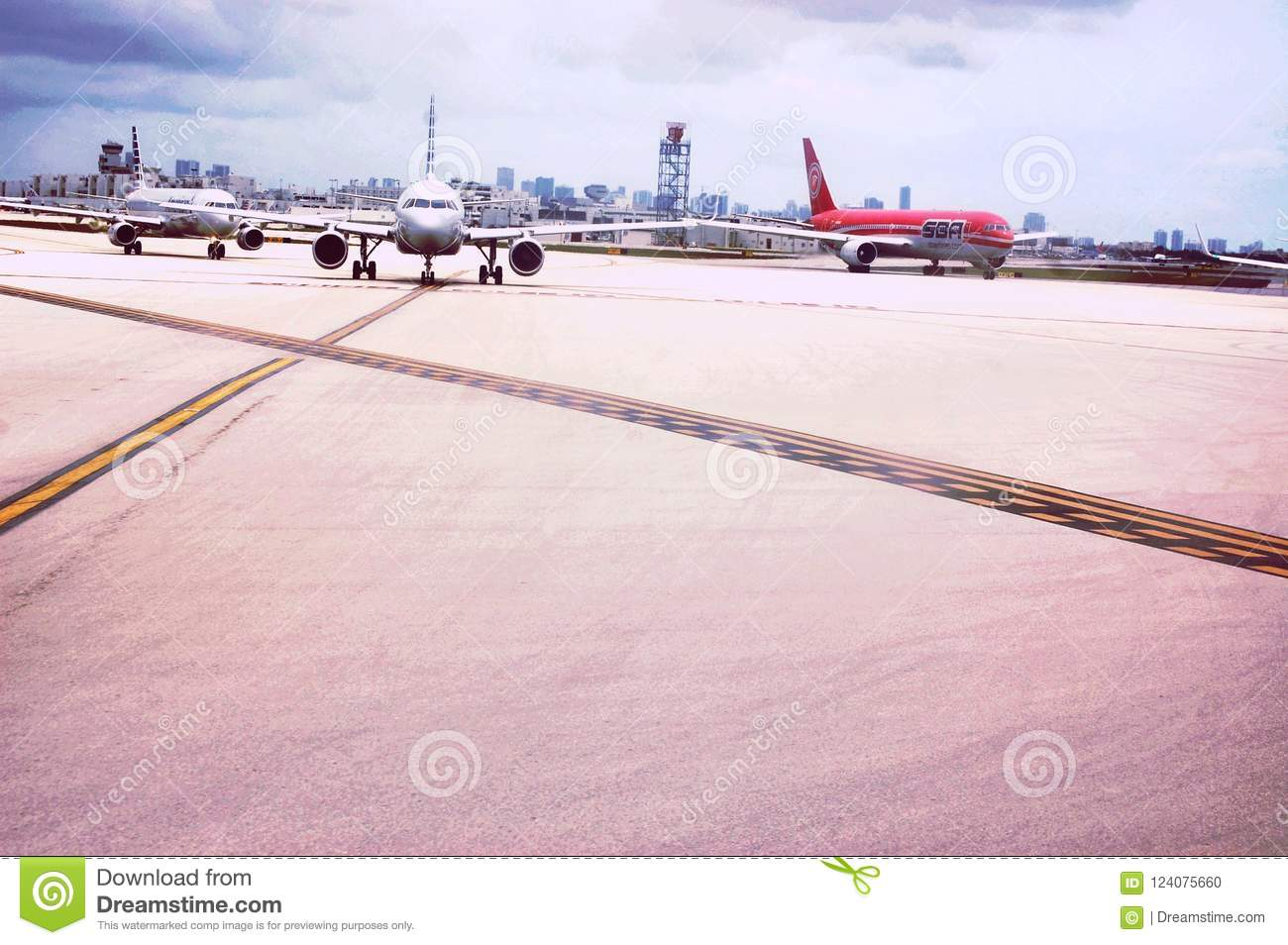 Planes three lines runways airport maiami usa