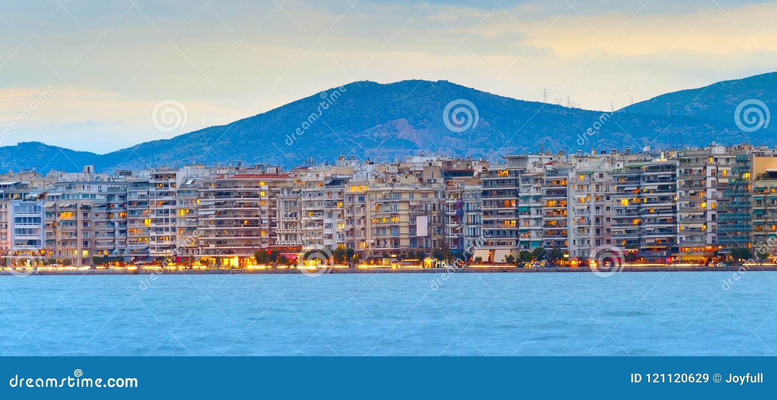 Thessaloniki het panorama van de waterkant, Griekenland