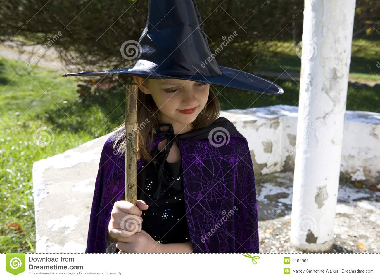 Thinking Witch