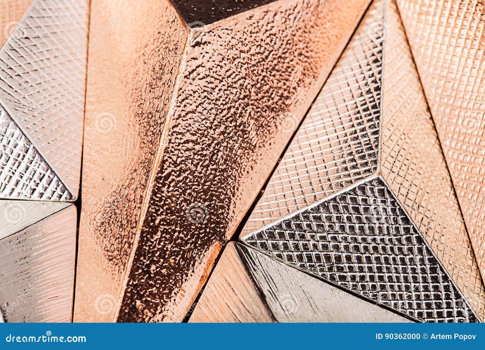 Three dimensional geometric metal shapes