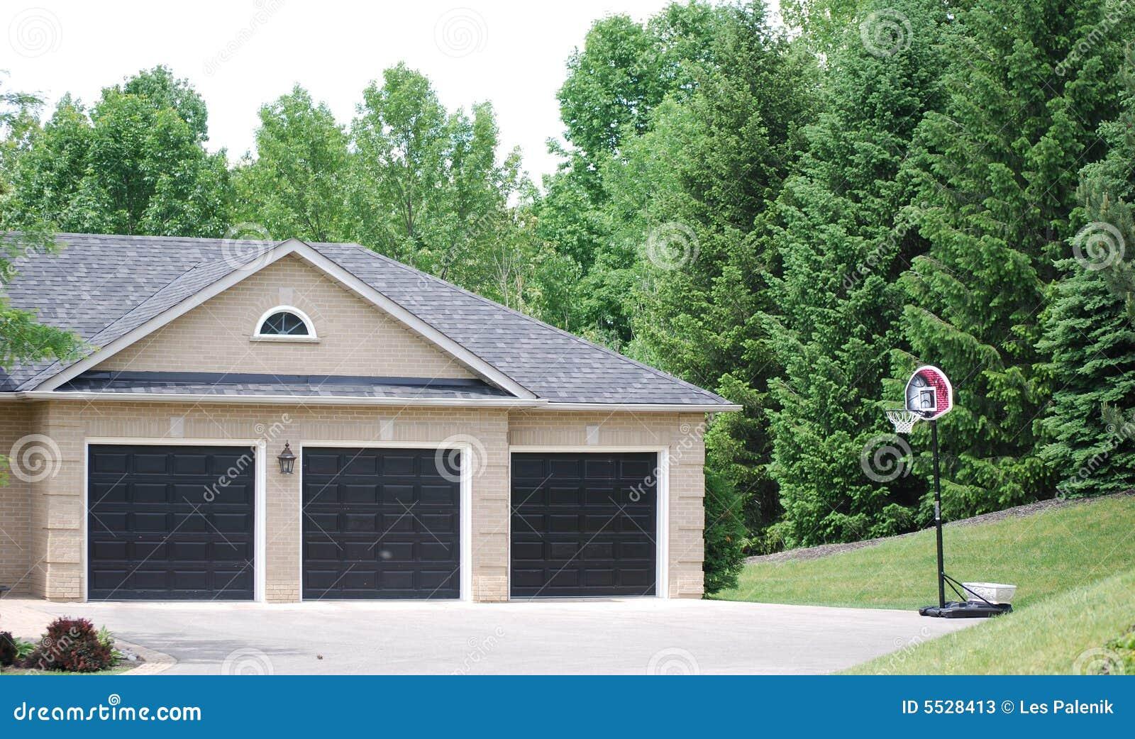 Three Door Car Garage Stock Image Image Of Detached Garage 5528413