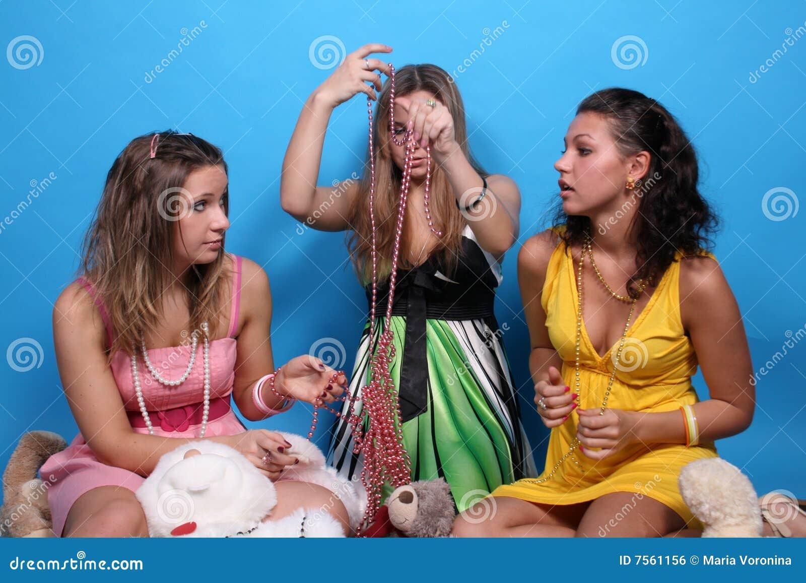 Communication style amoung adult women