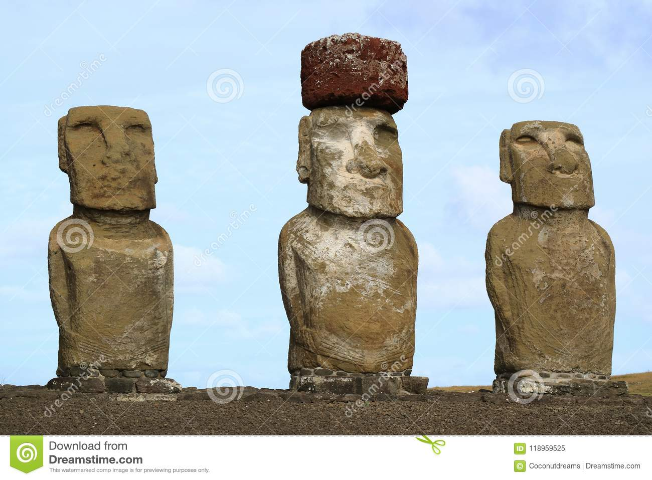Pictures of Easter Island: The Moai at Ahu Tongariki were