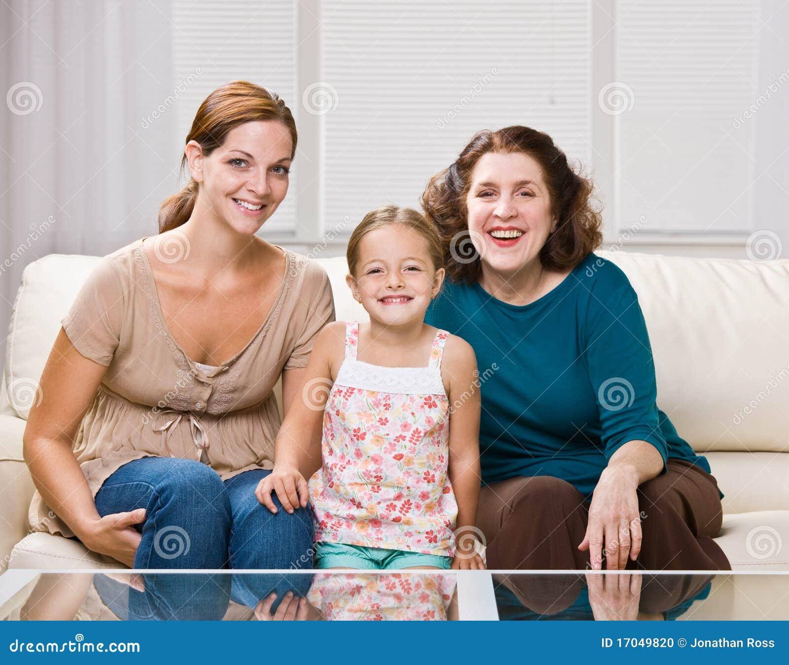 polizal-mame-i-sestre