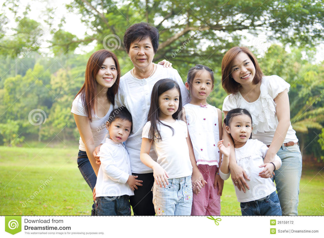 the asian family Cultural values of asian patients and families in the traditional asian family, parents define the law and the children are expected to abide by their requests and demands filial piety or respect for one's parents and elders is critically important.