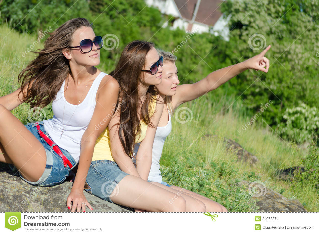 Escala Seattle Floor Plans A Smiling Dreamstime Young Girl Outdoors Three Happy Girls
