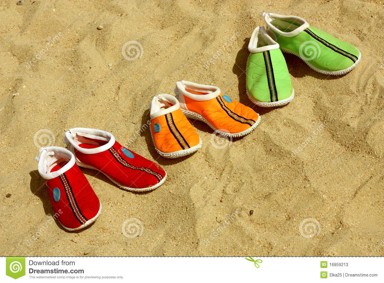 405bb6f003f26 Three pairs of shoes for the beach. Three pairs of shoes to the beach in