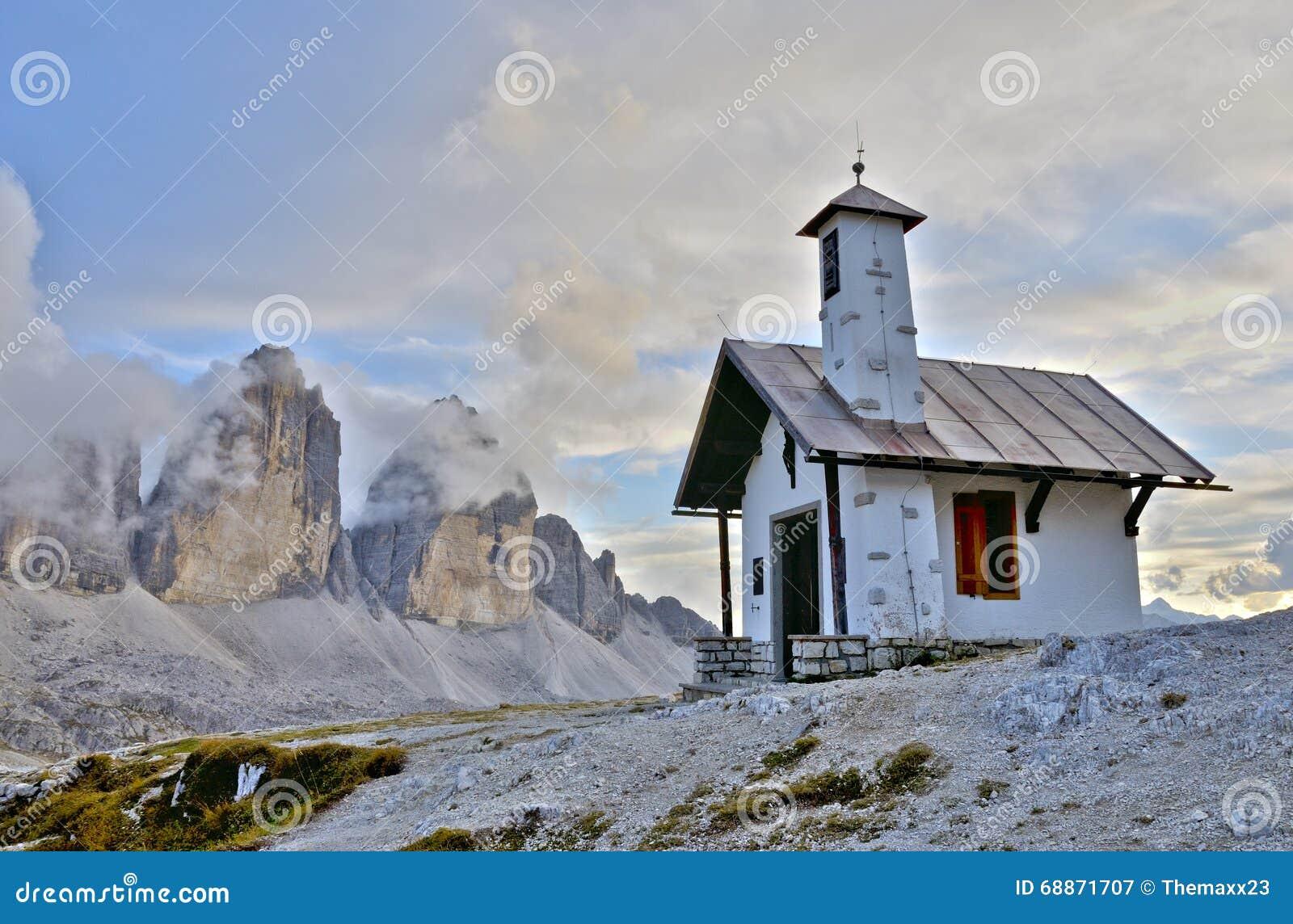 Three peaks Lavaredo chapel