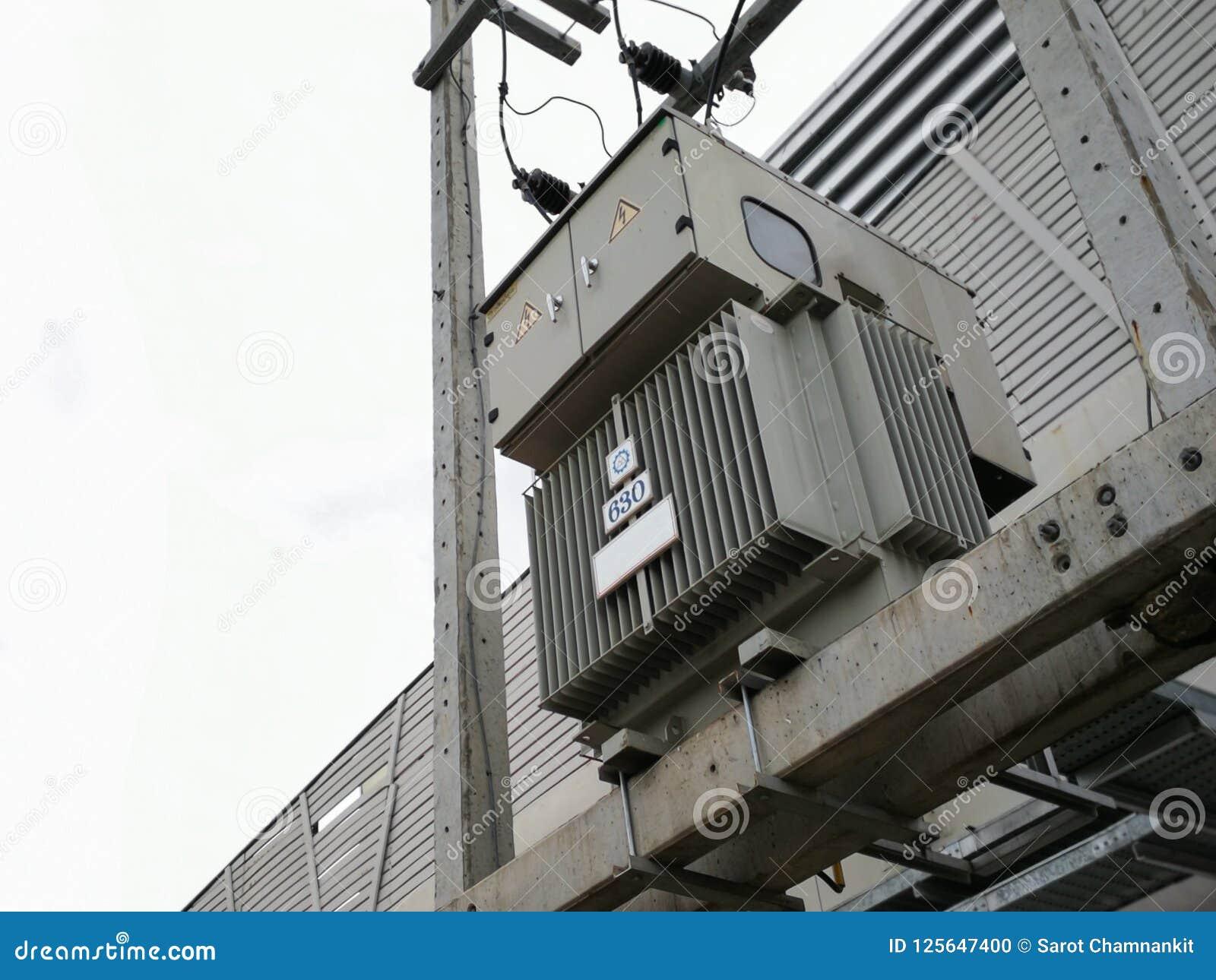 Three phase 630 kVA electric current transformer.