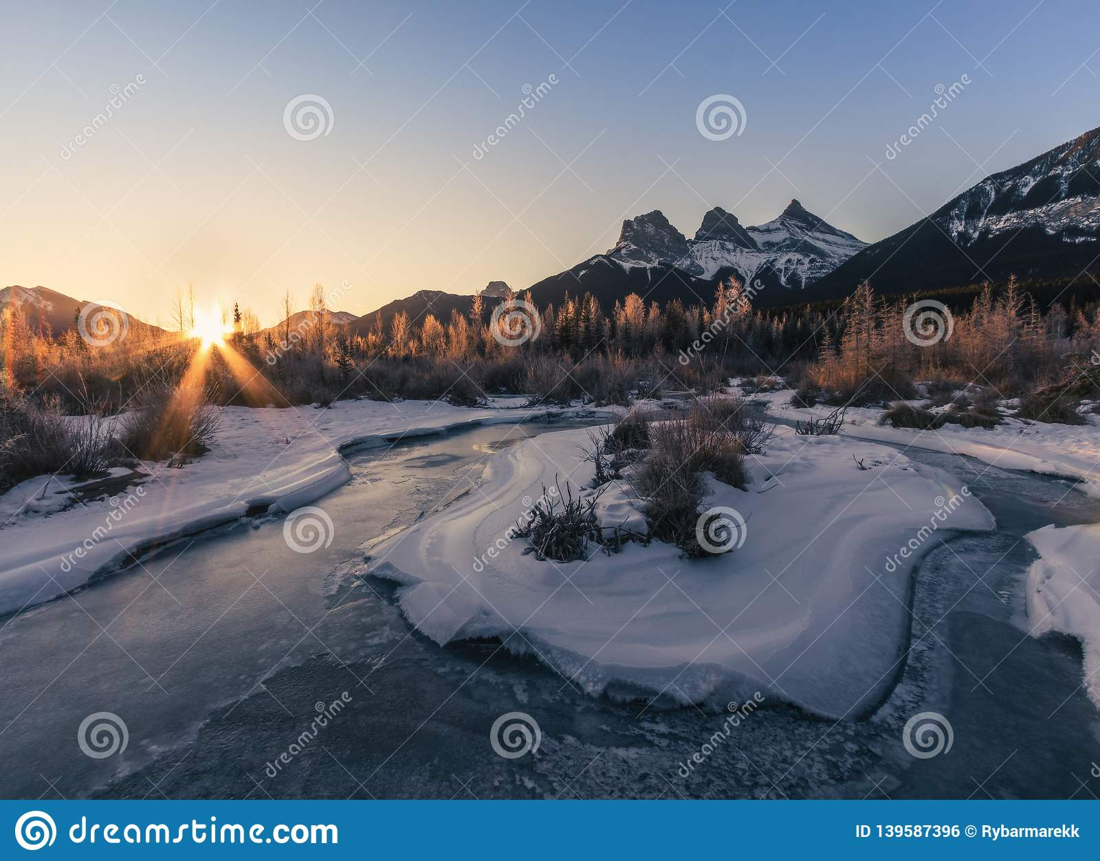 Sunrise above The Three Sisters, Canmore, Travel Alberta, Banff National Park, Canada, North America, Canadian Rockies