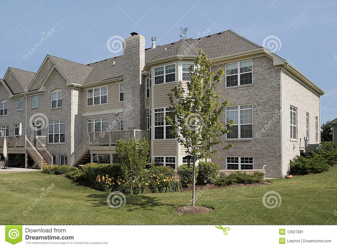 Three story suburban townhouse stock image image 12627381 for 3 story townhomes