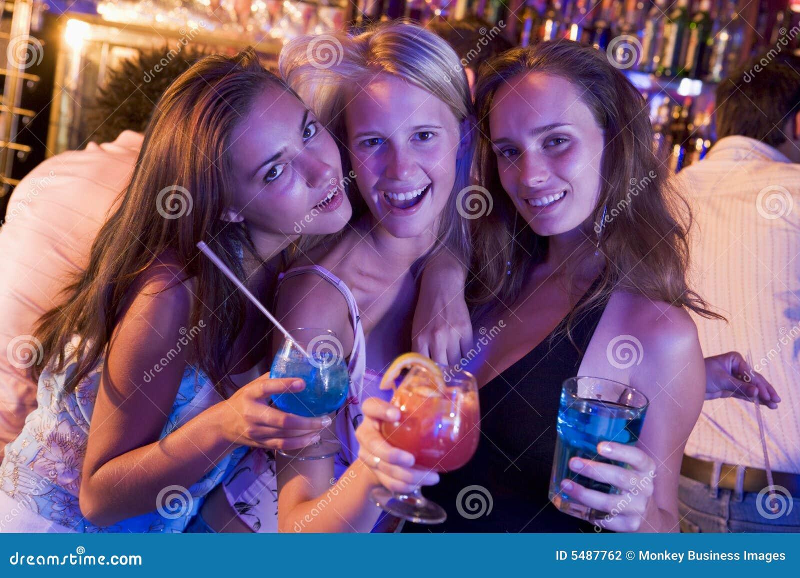 Уединились в клубе, На Вечеринке Уединились (найдено 81 порно видео.) 23 фотография